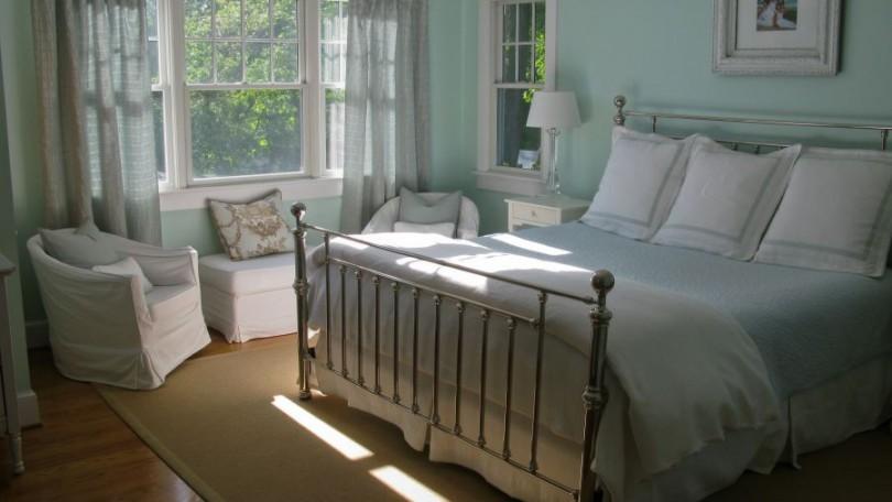 Bungalow Master Bedroom - Arlington, VA
