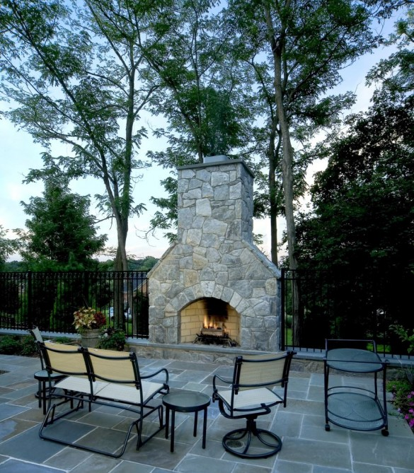 Outdoor Fireplace - Northern Virginia