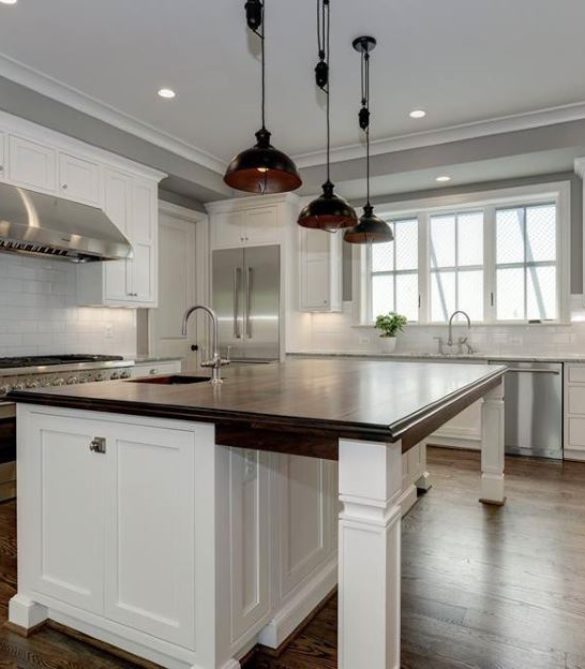 Classic Farmhouse Kitchen – Arlington, VA